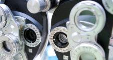 眼の検査機械