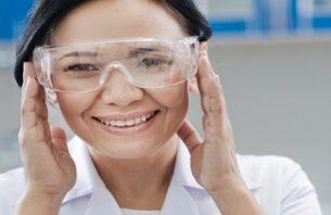 白内障の保護メガネの使い方や手術後いつまでつけるべきかについて解説